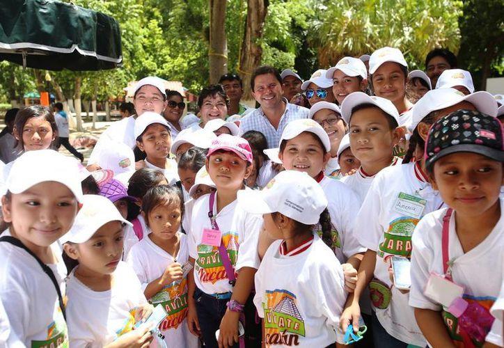 Infantes de cinco municipios participaron esta vez en el programa 'Maravíllate con Yucatán' de la Sedesol. (Foto cortesía del Gobierno estatal)