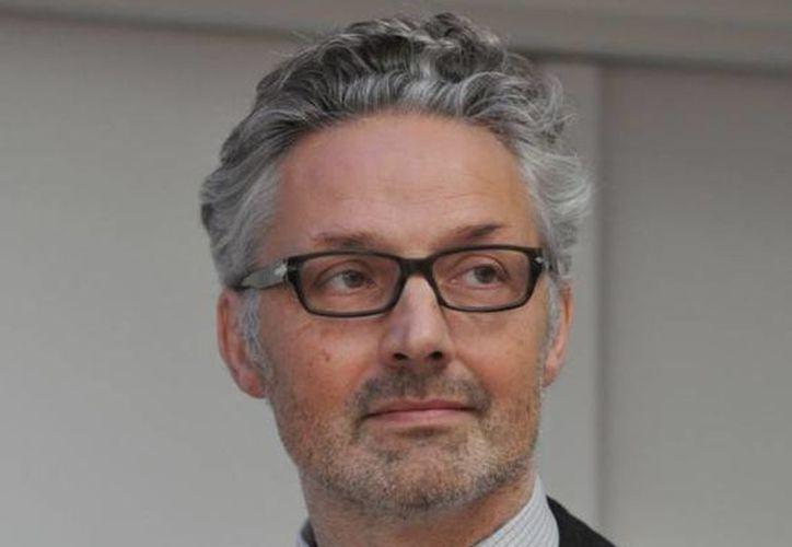 Stéphane Grimaldi, director del Memorial de Caen, fue el encargo de dar la noticia de la cancelación del evento. (cotecaen.fr)