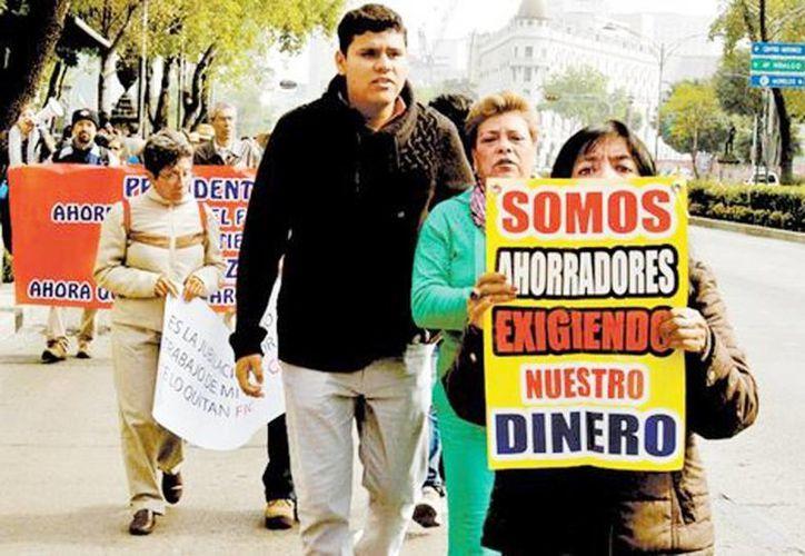 Imagen de una de las tantas manifestación que realizan personas afectadas en la Ciudad de México. (Octavio Hoyos/Milenio)
