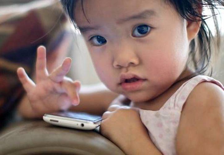La experta señaló que los dispositivos portátiles no están pensados para que los usen niños pequeños durante largos periodos de tiempo. (baquia.com)