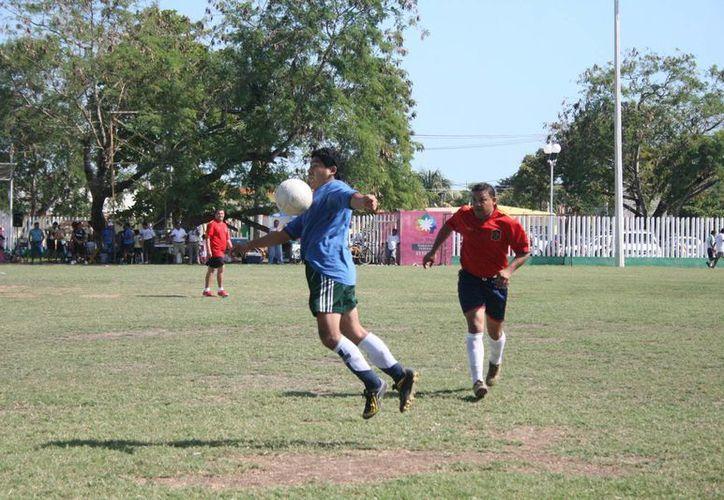 Hasta el momento no se reporta ningún lesionado, y los participantes están listos para ganar. (Alberto Aguilar/SIPSE)
