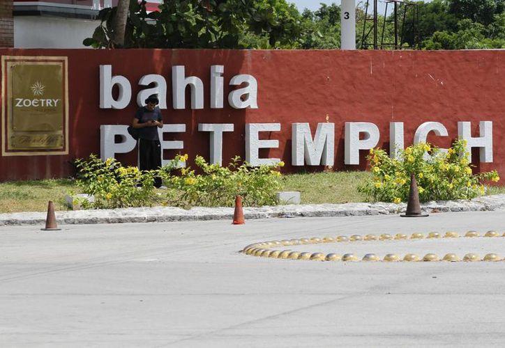 Existe un proyecto en un predio ubicado en Bahía Petempich en Puerto Morelos. (Sergio Orozco/SIPSE)