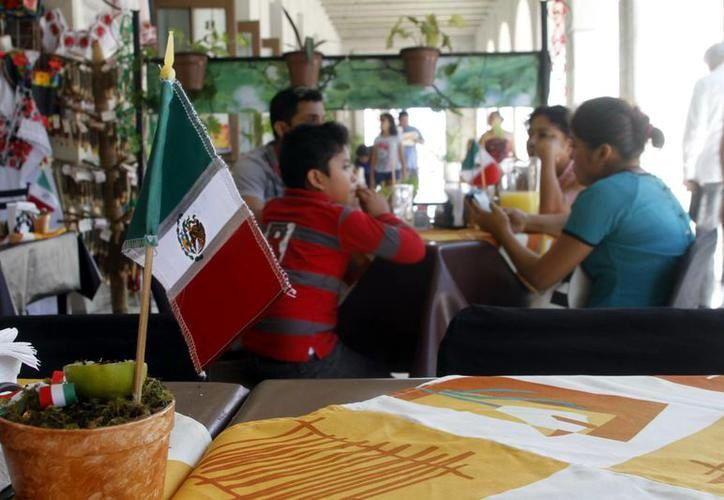 Muchos meridanos suelen celebrar las fiestas en los restaurantes de la ciudad. (Foto: Milenio Novedades)