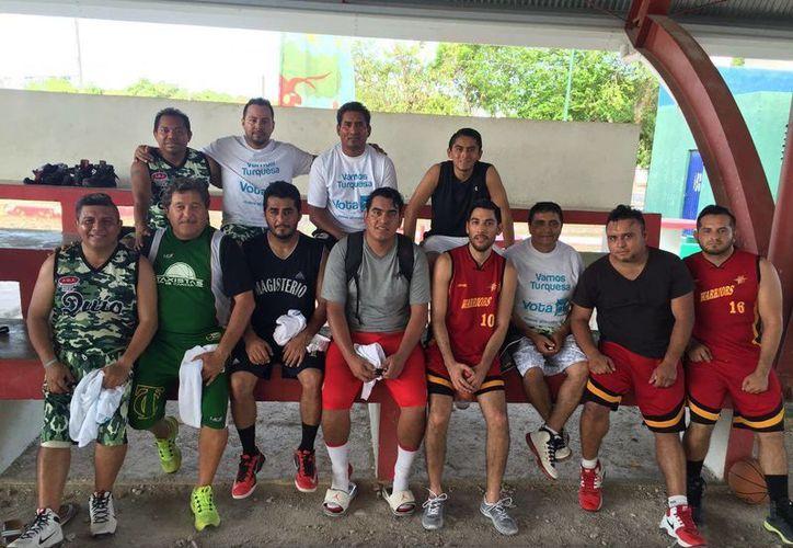 El equipo Amigos de Quio logró vencer a Warriors y coronarse campeones del campeonato. (Raúl Caballero/SIPSE)