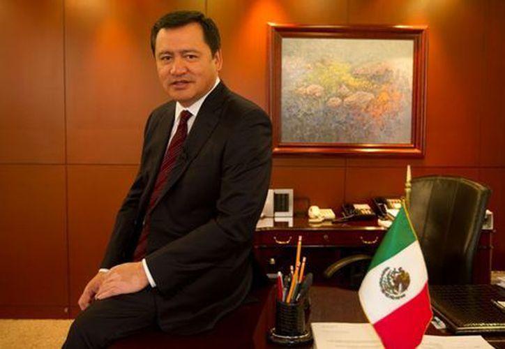 """Peña Nieto dijo que Osorio fue """"clave para concretar el Pacto por México"""". (Milenio)"""