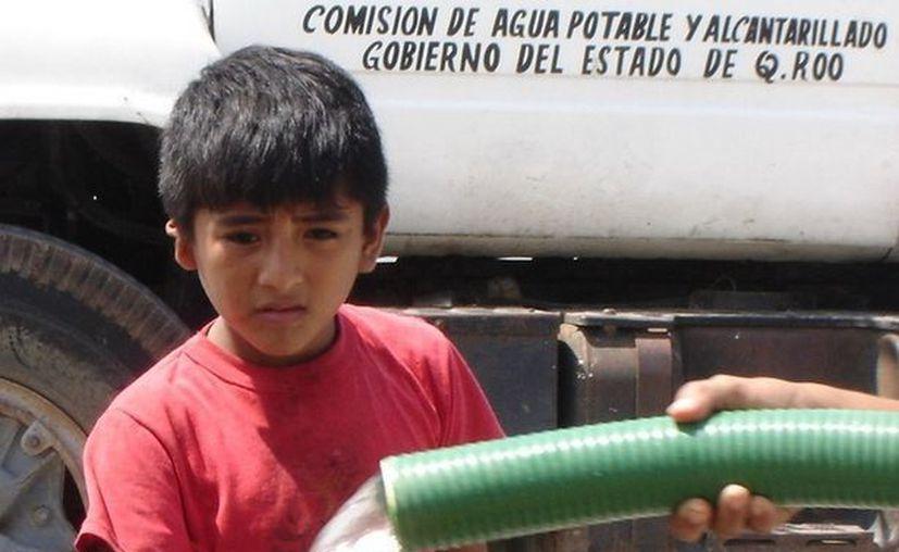 Se busca mejorar los servicios de agua potable, alcantarillado y saneamiento para la población capitalina. (Redacción/SIPSE)