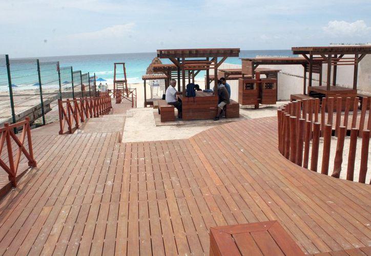 Playa Marlín se ubica en el kilómetro 12.5 de la zona hotelera. (Tomás Álvarez/SIPSE)