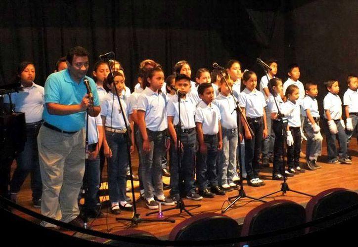 El director de este concierto será el maestro Noé Garrido, quien es el encargado de las Cantorías de Cancún. (Redacción/SIPSE)