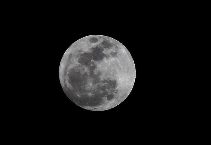La estrategia espacial de Rusia considera las misiones lunares como un paso hacia los vuelos tripulados a Marte. (Notimex)