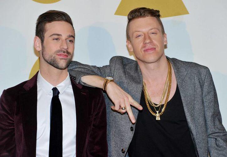 """El himno de Macklemore and Lewis por el matrimonio gay """"Same Love"""" fue nominado a canción del año. (Agencias)"""