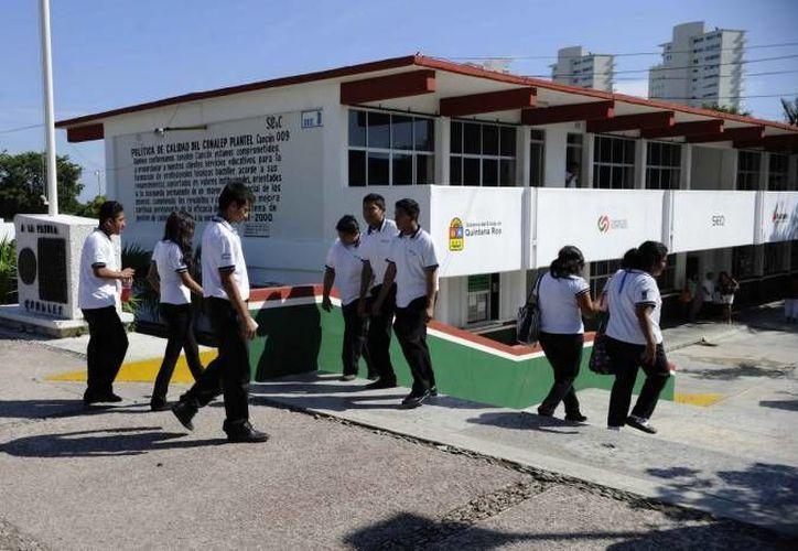 Las primarias y secundarias de Cancún iniciarán el próximo ciclo con hasta 45 alumnos por salón. (Archivo/SIPSE)