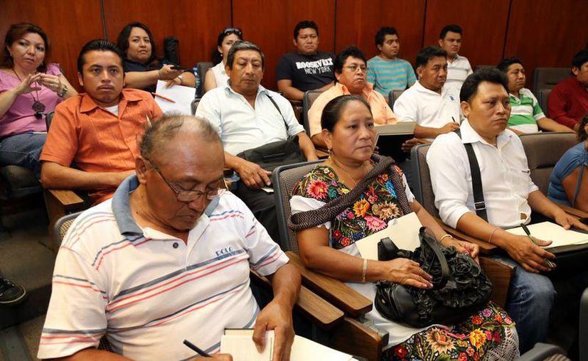 Los comisarios durante su asistencia a un curso de Protección Civil de Mérida. (Milenio Novedades)