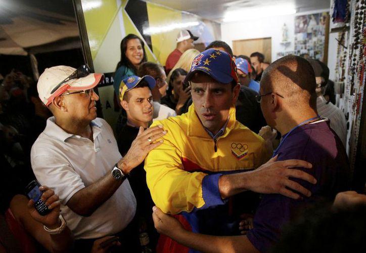 Capriles ganó la relección en el estado central de Miranda, imponiéndose al candidato del gobierno Elías Jaua. (Agencias)
