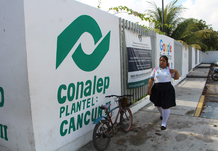 En Cancún y la Riviera Maya hay una gran demanda de espacios para el nivel bachillerato. (Paola Chiomante/SIPSE)