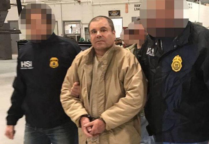Imagen de la entrega de Joaquín 'El Chapo' Guzmán Loera del gobierno de México a las autoridades de Estados Unidos. (Notimex)