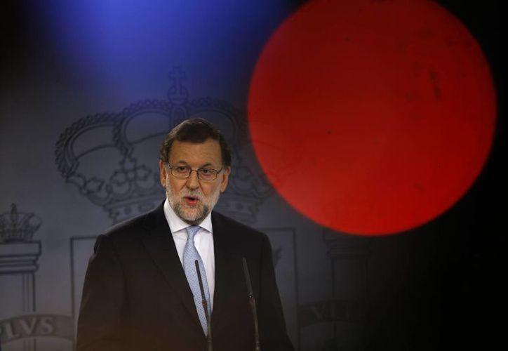 Mariano Rajoy se pronunció una vez más contra la independencia de Cataluña, que recién conformó un nuevo gobierno regional que pretende impulsar su separación de España. (AP)