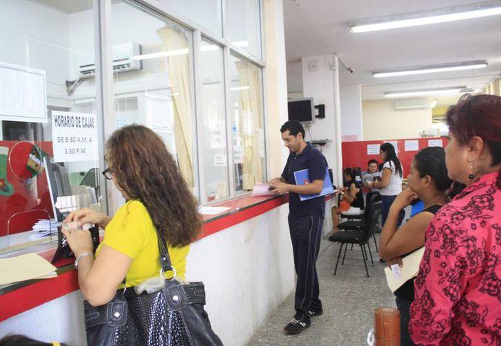 El Ayuntamiento de Othón P. Blanco aprobó un descuento del 25 por ciento al pago del impuesto predial, del 15 de noviembre al 31 de diciembre. (Harold Alcocer/SIPSE)
