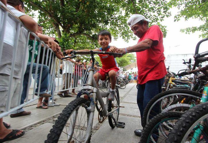 El Ayuntamiento remató ayer 207 bicicletas que estaban en el corralón y nadie reclamó.  (Gustavo Villegas/SIPSE)