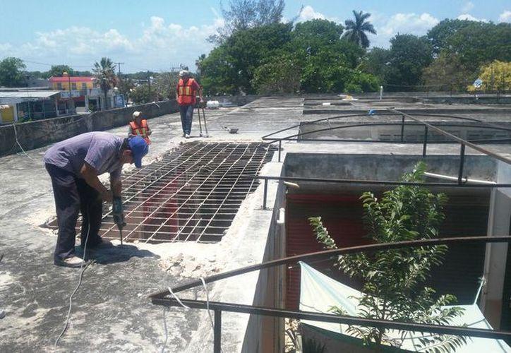 Desde administraciones pasadas, los locatarios habían advertido las malas condiciones de la infraestructura. (Joel Zamora/SIPSE)