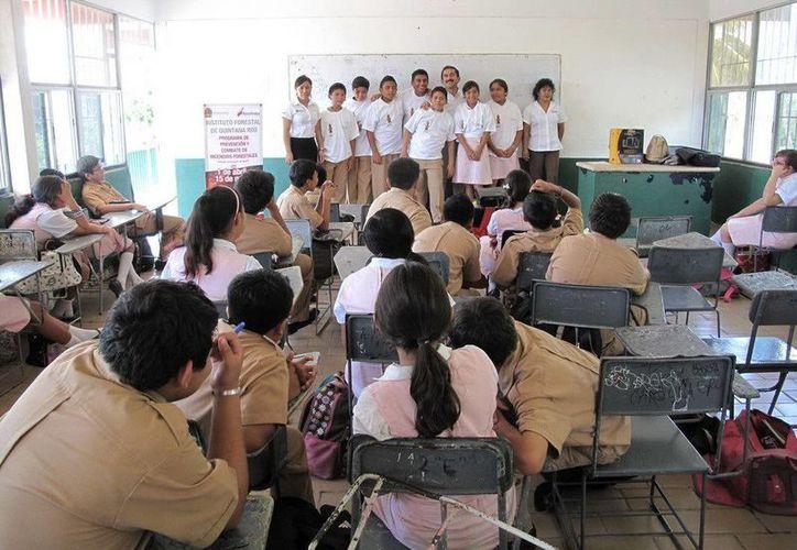Los alumnos temas abundaron temas como el cambio climático, la deforestación, los incendios forestales y la contaminación. (Redacción/SIPSE)