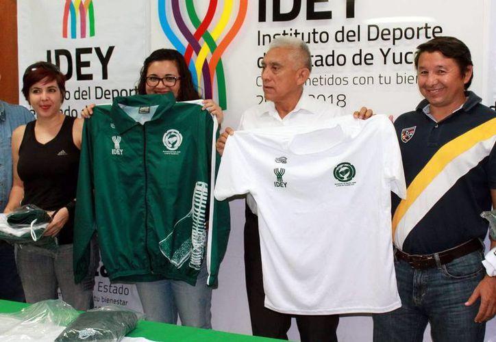Los representantes yucatecos estrenarán uniformes para el campeonato nacional. (Milenio Novedades)