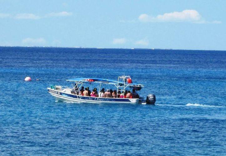 Ofrecen servicio sin importar la capacidad de sus embarcaciones. (Irving Canul/ SIPSE)