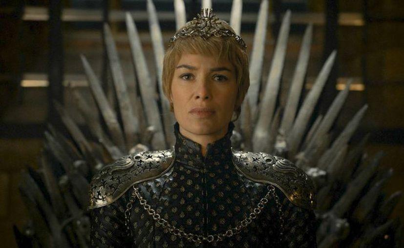 Imagen difundida por HBO, de Lena Headey en una escena de 'Game of Thrones'. La serie encabezó el jueves la lista de nominados a los Premios Emmy con 23 candidaturas que incluyen mejor serie de drama. (HBO vía AP)