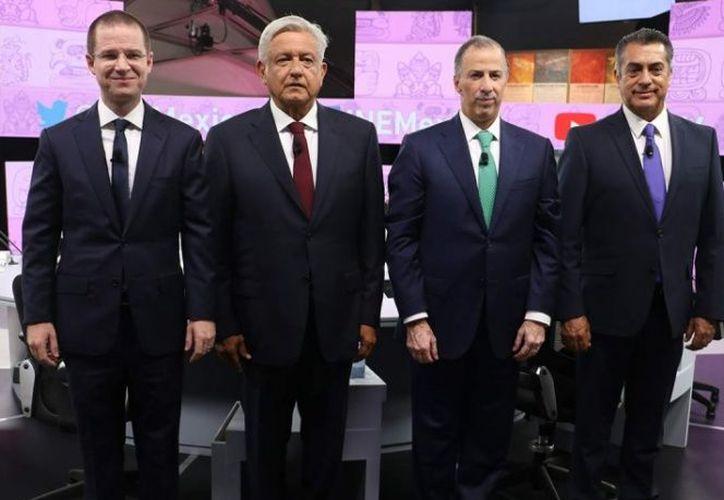 Presentan los candidatos presidenciales su declaración 3 de 3. (Foto: Excélsior)