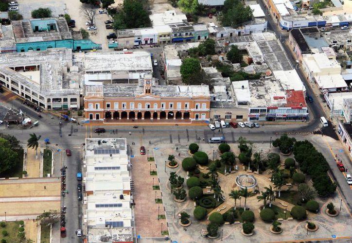 El Tribunal de los Trabajadores al Servicio del Estado embargó las cuentas de las comunas de Motul, Celestún, Conkal, Akil, Peto y Tizimín por dos millones de pesos. (Milenio Novedades)