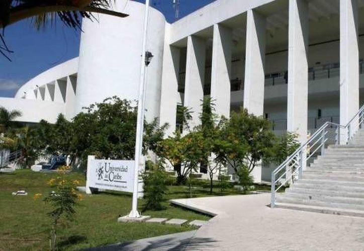 La Universidad del Caribe participa en la jornada del arte. (Archivo/SIPSE)