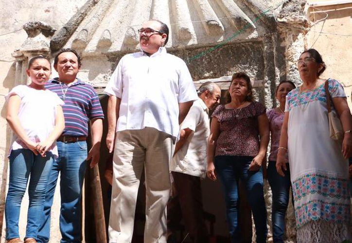 Celebran el día de San Juan de Dios en Hocabá, con misa, rezos, ofrendas y dos guisos de ley: pibil kol y relleno negro enterrado, acompañado de tortillas de mano. (Milenio Novedades)