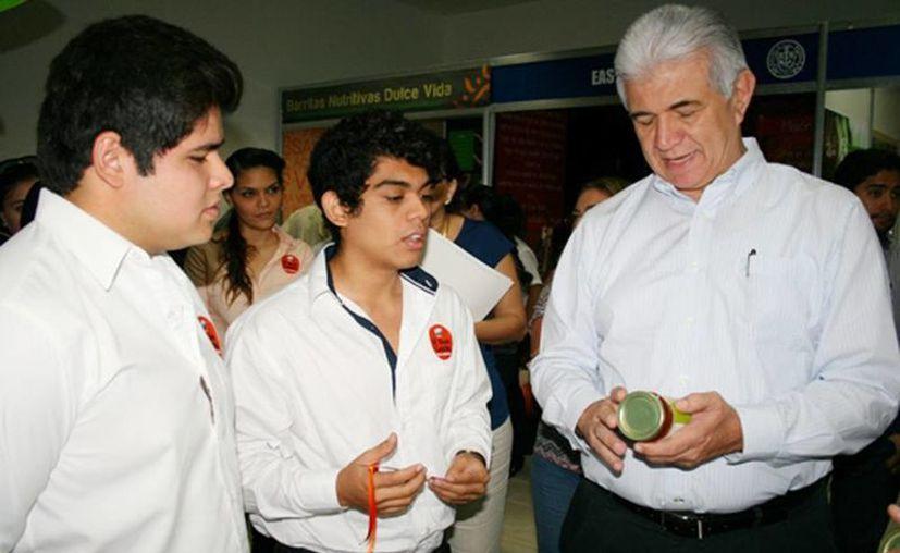 David Alpizar Carrillo, titular de la Sefoe, señaló que es una prioridad el apoyo para jóvenes emprendedores sobre todo del sector agroalimentario. (sefoe.yucatan.gob.mx)