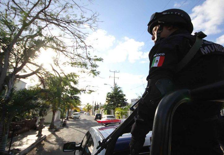 La Policía Municipal realiza una 'limpieza' para retirar a los malos elementos de sus filas. (Eric Galindo/SIPSE)