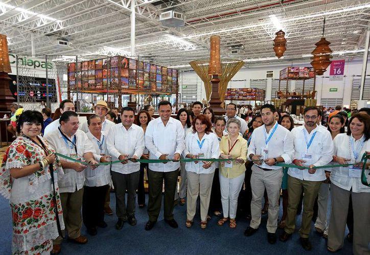 La inauguración del pabellón de Yucatán en el Tianguis Turístico de México 2014, en Cancún. (SIPSE)