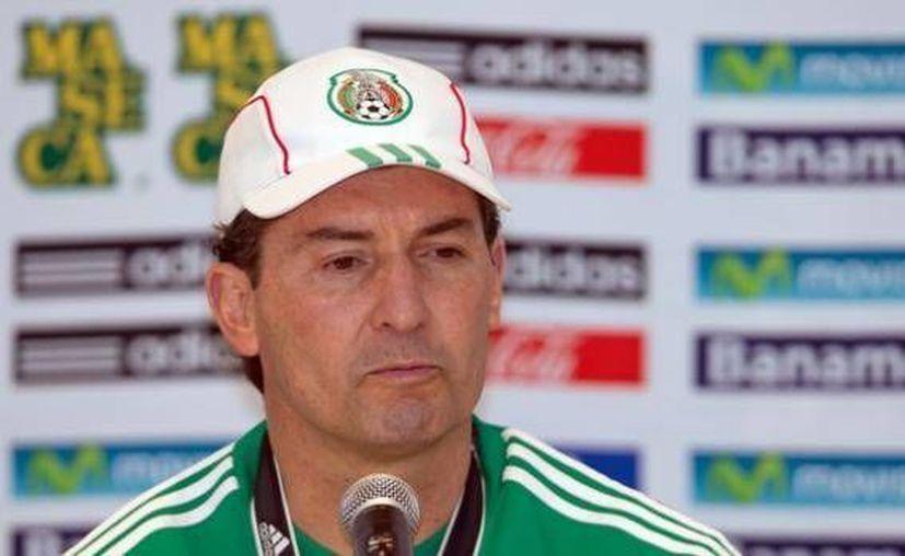 El estratega ofreció una conferencia de prensa en el estadio Azteca previo al encuentro del Tri con su similar de EU. (La afición)