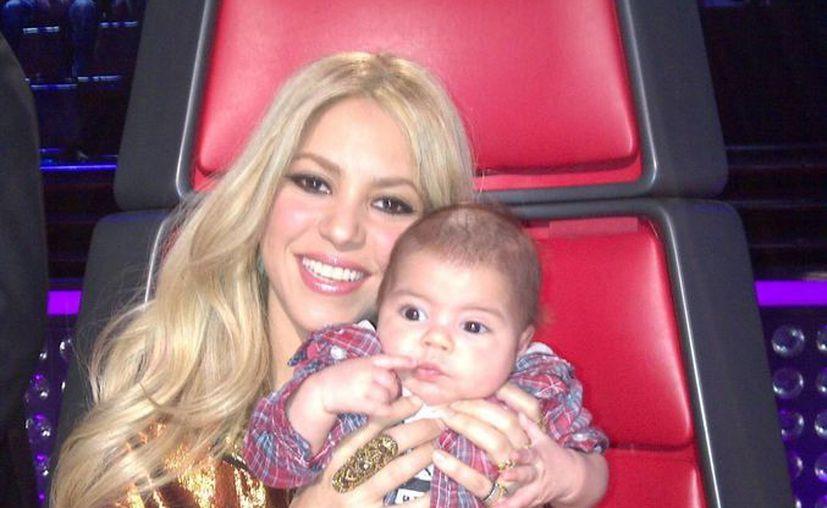 Shakira se ha encargado de mantener bien informados a sus fans de todo lo que hace por medio de las redes sociales. (Facebook oficial)