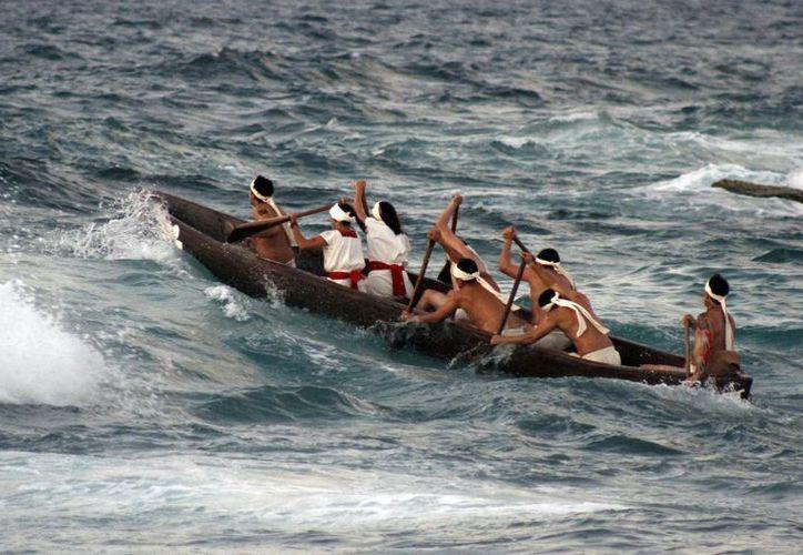 Los canoeros, en su travesía, son vigilados permanentemente vía satelital durante todo el recorrido, para garantizar su seguridad. (Israel Leal/SIPSE)