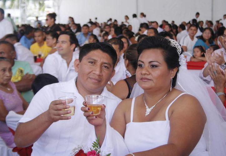 Se prepara para el próximo año la primera boda colectiva en la playa.  (Redacción/SIPSE)