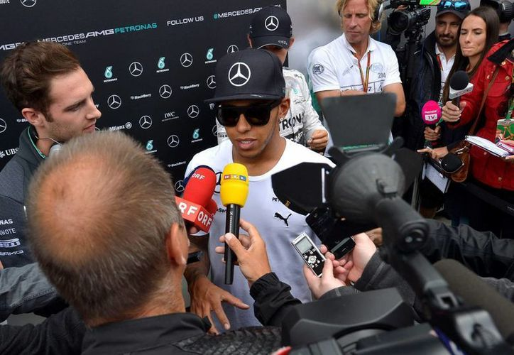 Lewis Hamilton (en la gráfica9 fue apenas una décima más lento que Nico Rosberg al iniciar las pruebas rumbo al Gran Premio de Austria de Fórmula Uno. (EFE)