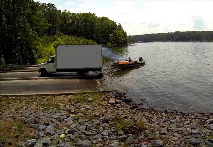 El lugar de la tragedia: lago Allatoona, en Georgia. Un joven de 18 años de edad falleció en un 'juego' con sus amigos. (youtube.com)