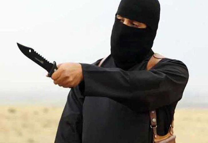 """El terrorista, conocido también como el """"carnicero del Estado Islámico"""" aseguró que seguirá cortando cabezas. (Foto de archivo/Agencias)"""