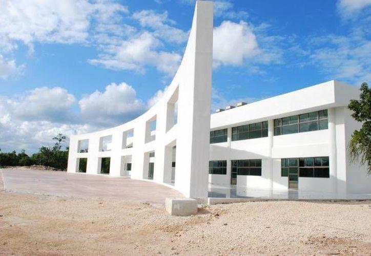 La Universidad Politécnica firmó ocho convenios con escuelas de Cuba. (Archivo/SIPSE)