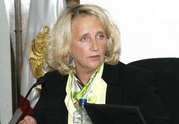 Sigrid Arzt, comisionada del Instituto Federal de Acceso a la Información Pública. (www.imer.gob.mx)