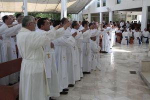 Despiden con misa a ex líder de los Legionarios de Cristo