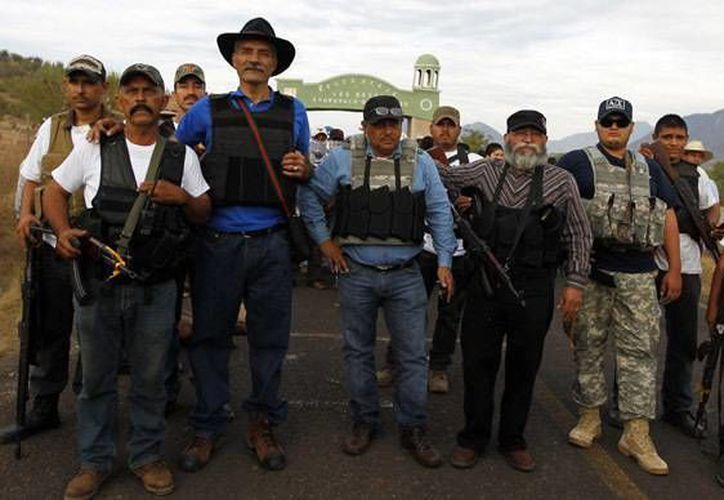 Cada vez hay más fracturas entre los grupos de autodefensa de Michoacán. (Reuters)