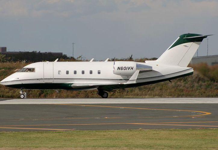 Autoridades de Coahuila realizan la búsqueda de la aeronave privada. (A21)
