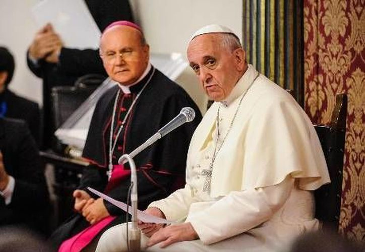 El Papa condena los desperdicios de alimentos cuando muchos se quedan con hambre. (Agencias)