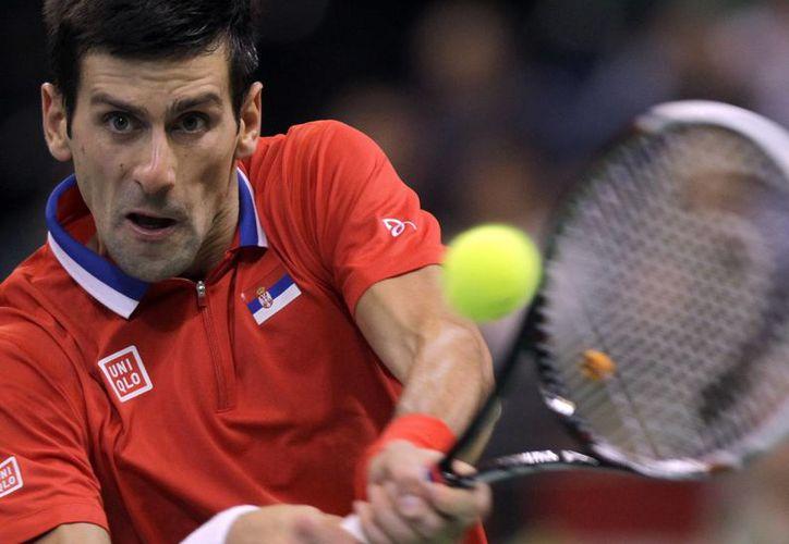 Djokovic derrotó a Radek Stepanek para sumar su 23er triunfo al hilo desde que perdió ante Rafael Nadal en la final del Abierto de EU. (Agencias)