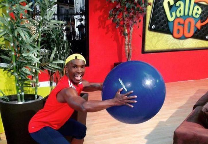 Rey David ayudará a la gente a bajar de peso a través del ejercicio, pláticas impartidas por nutriólogos y consejos de entrenadores, en su programa 'Borrón y cuerpo nuevo'. (Milenio Novedades)