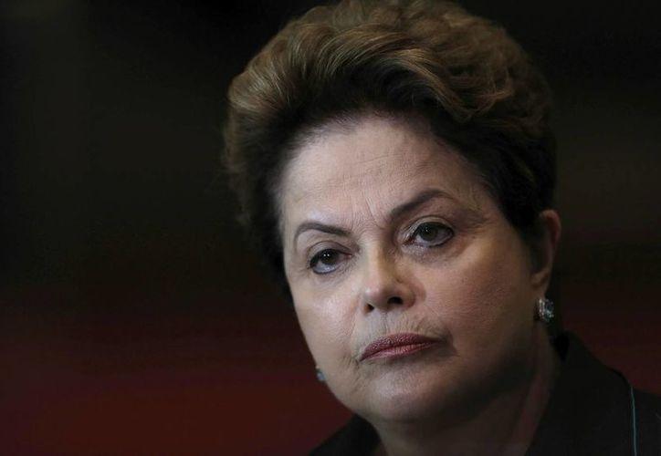 La presidenta de Brasil, Dilma Rousseff, durante una rueda de prensa en octubre del 2014. (AP/Eraldo Peres)